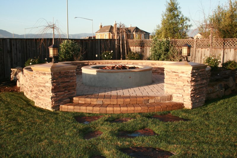 Custom Firepit w/ Surrounding Seat Wall